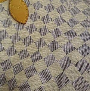 Louis Vuitton Bags - Louis Vuitton Neverfull MM